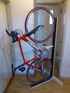 cycle stand_4.jpg