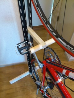 cycle stand_5.jpg
